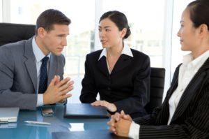 Синхронен (симултанен) и последователен (консекутивен) превод са типове преводи, които се използват при провеждане на конференция или друго мероприятие