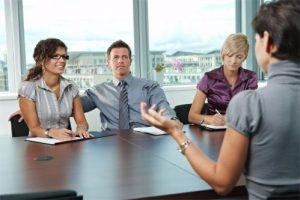 Последователен превод е подходящ при провеждане на конференция и бизнес сделки