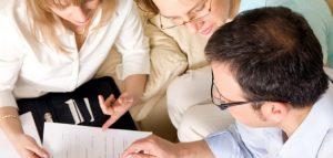 Спешен превод понякога налага събиране на екип от преводачи, редактори, коректори