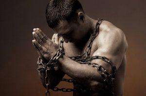 Алчността е един от греховете на преводача