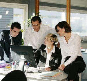 За локализация на компютърни игри се използват уменията на преводачи, програмисти и разработчици на игри